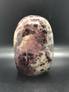 Garnet Freeform (2)~ revitalising, purifying energy, balance, grounding, inner strength, creativity, passion, inspiration & divine connection