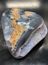 Amethyst centred Agate ~ harmonising energy & confidence (3)