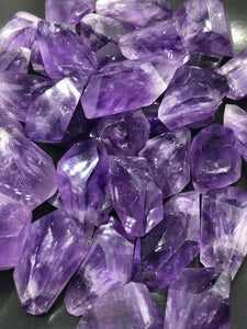 Amethyst ~ divine connection, boundaries, healing and calming