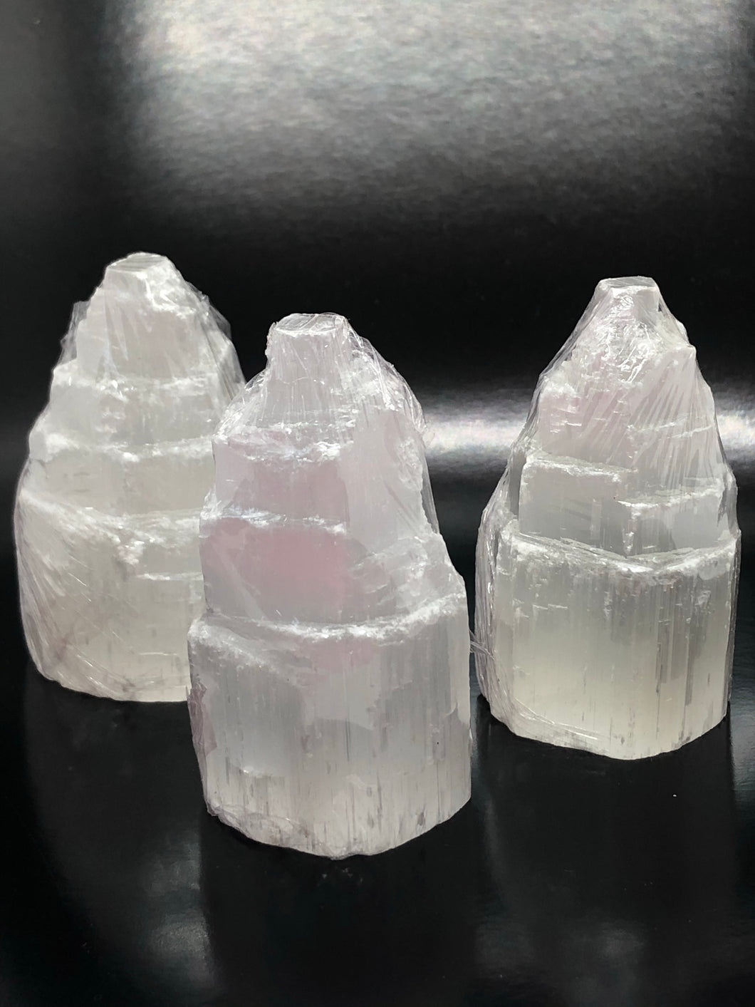Selenite Tower (small, 6cm height) ~ connect to your guides, clarity, cleansing, activates 3rd eye & crown chakras