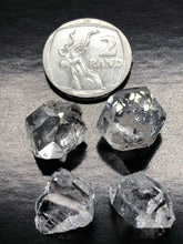 Herkimer Diamond (Small Large) ~ attunement stone, psychic abilities, guidance, past life recall, soul retrieval & purpose & breaking patterns