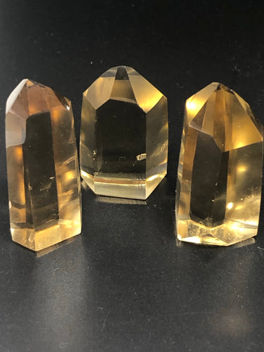 Citrine Points (small) ~ Abundance, authenticity, connection, flow & harmony (18)