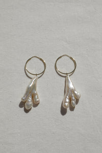 Lycia Pearl Earrings