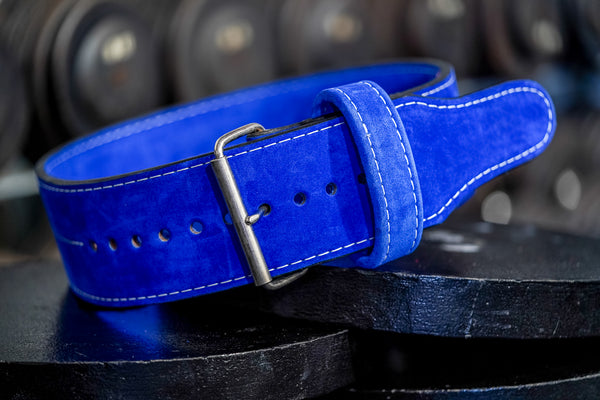 How to use a weightlifting belt