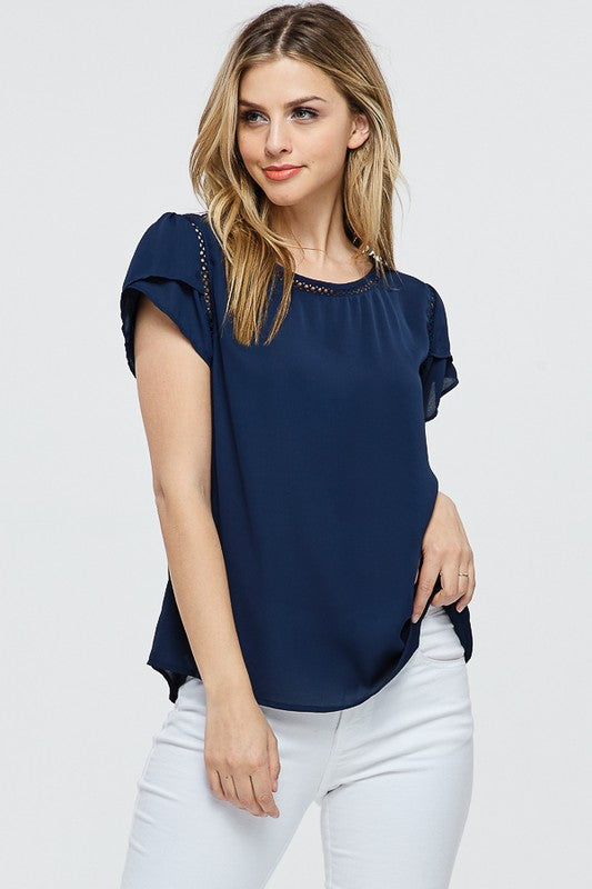TRIMMED DETAIL NAVY TOP - Cielo Blue LA