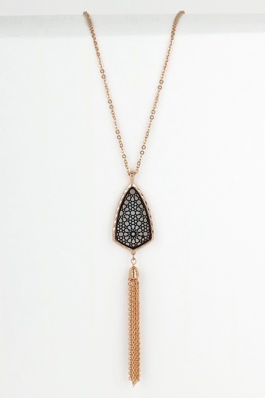 GOLD AND BLACK LONG PENDANT NECKLACE