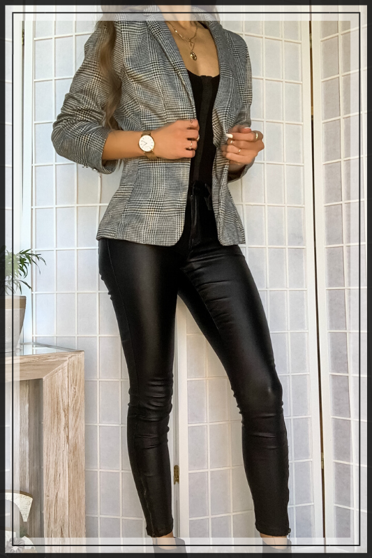 RITZY OPEN BLAZER  CAT WOMAN BLACK LEATHER PANTS