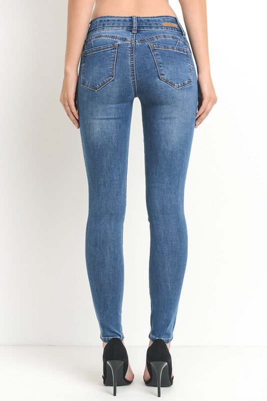 DOUBLE BUTTON PUSH UP SKINNY JEANS - Cielo Blue LA