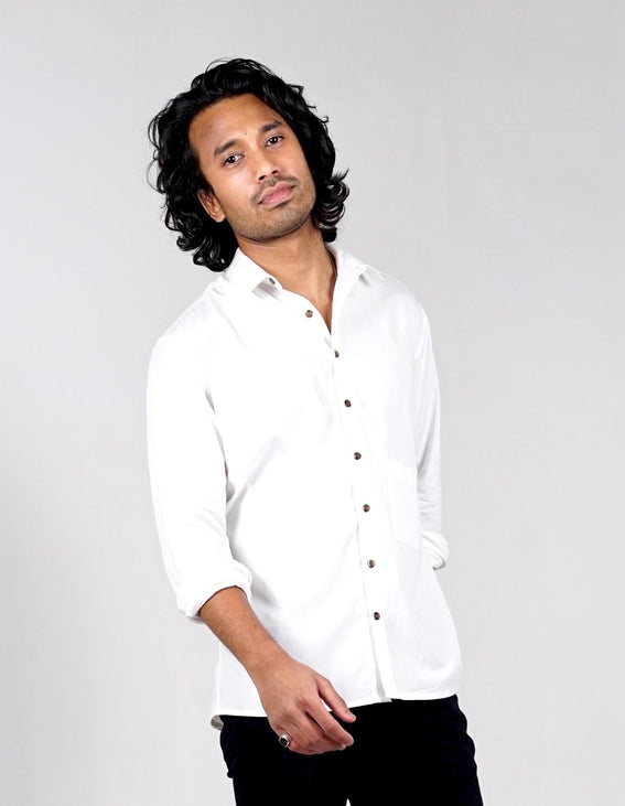 Long sleeved shirt. Organic cotton. White