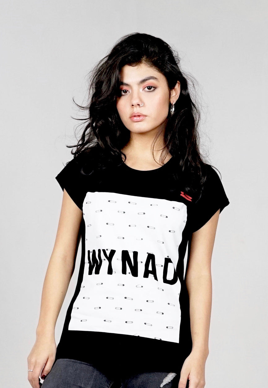 Black tee. Organic Cotton. Safety pin WYNAD print