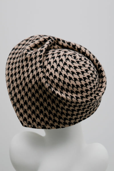 Sculpted Houndstooth Hat - Aine