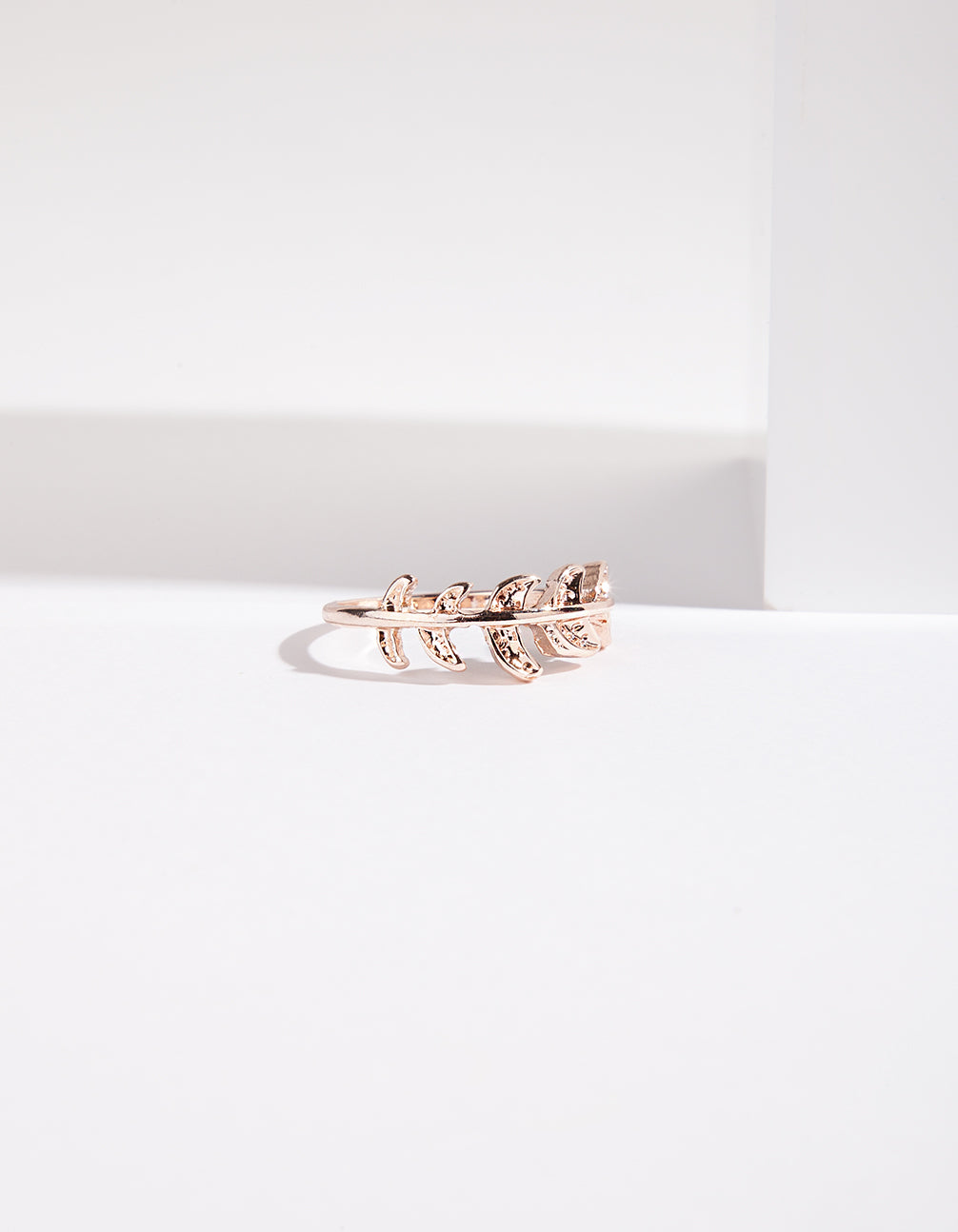 Rose Gold Leaf Band Ring