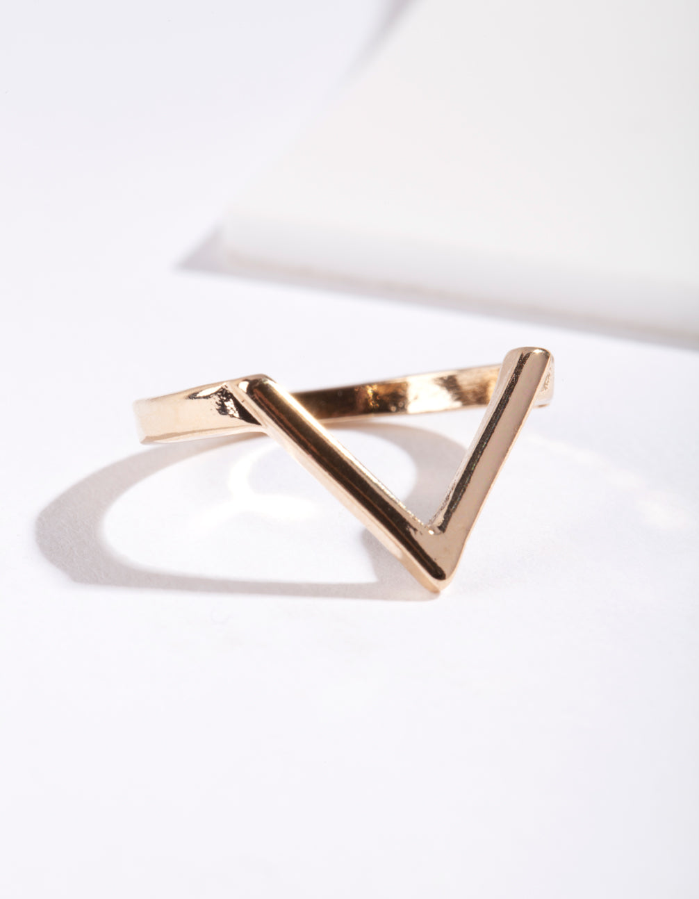 Gold Plain Arrow Ring.