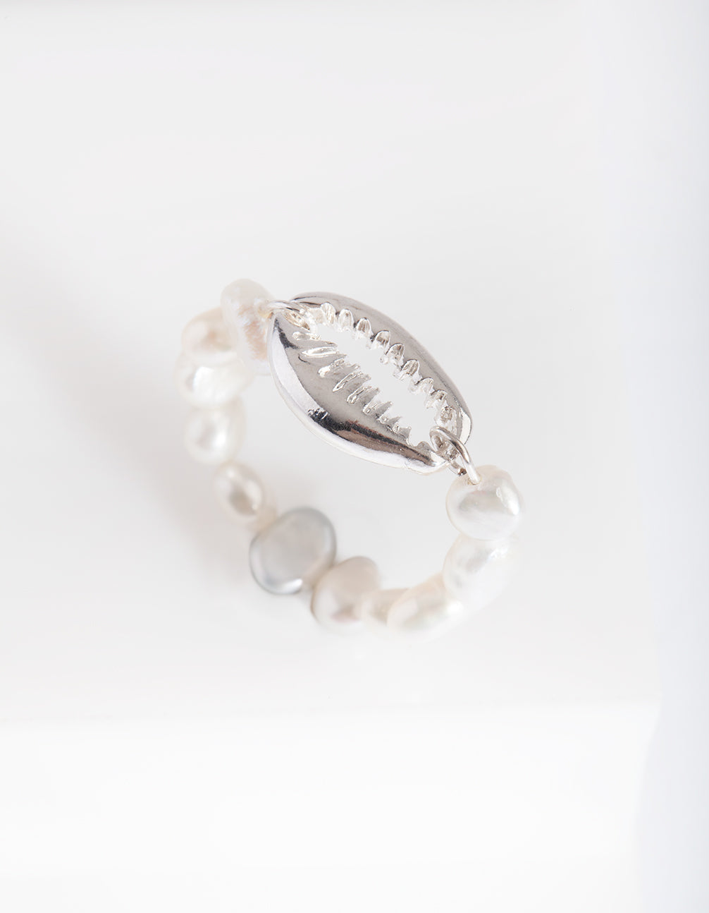 Silver Shell Pearl Band Ring