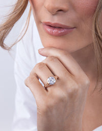 Gold Cubic Zirconia Celebrity Ring - link has visual effect only