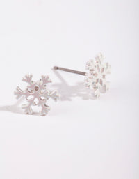 Kids White Snowflake Earring - link has visual effect only
