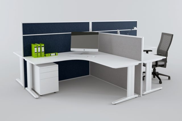 FORME DESK HUNG AND FLOOR STANDING SCREENS IN WHITE