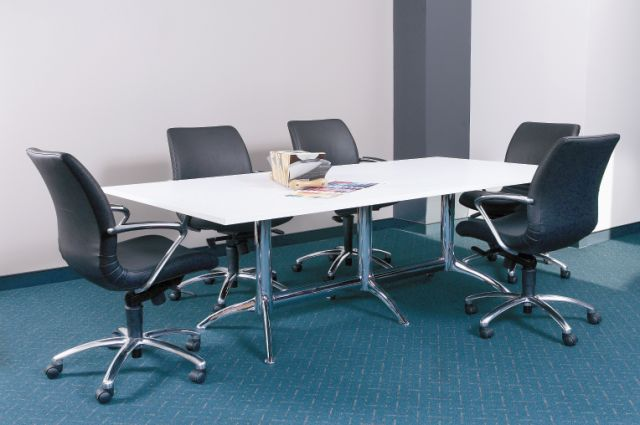 HORIZON AND EQ RANGES CUSTOM MADE BOARDROOM TABLES USING VISION K SERIES BASES