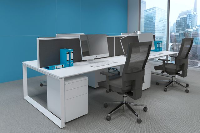 CORNER WORKSTATIONS AND DIAMOND DESKS
