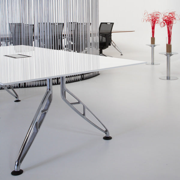 POLYURETHANE MEETING TABLES
