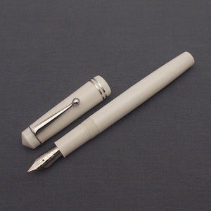 Click Aristocrat Fountain Pen with Kanwrite Nib - White - Chrome Trim