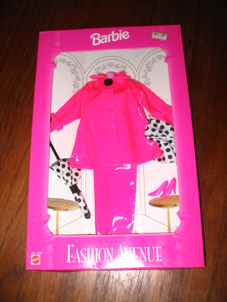 Barbie Fashion Avenue:  Boutique (#14301 - 1995)