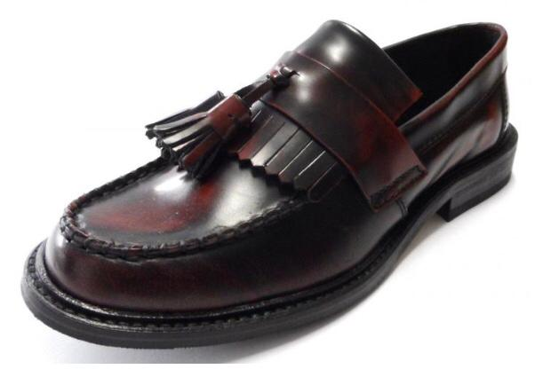 Ikon Original Selecta Mens Leather Tassel Loafers in Oxblood Rub Off
