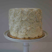 Load image into Gallery viewer, Classic Rosette Cake