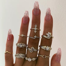 Load image into Gallery viewer, Vintage Gold Knuckle Rings Set