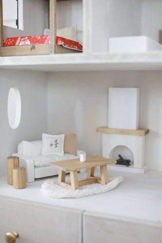 Amiah's Furniture Collection (1:8)
