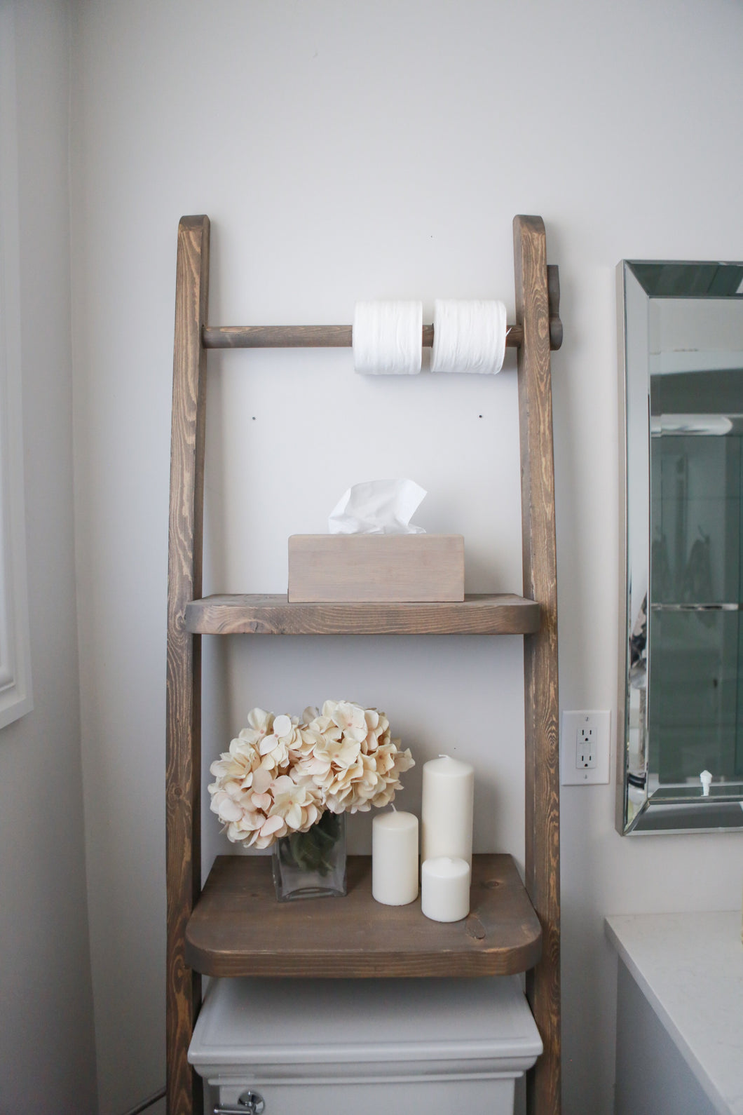 Prairie Bathroom Ladder