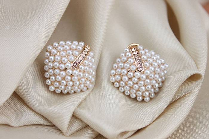EROS PEARL STUD EARRINGS