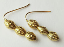 Load image into Gallery viewer, 3 Bead Earrings