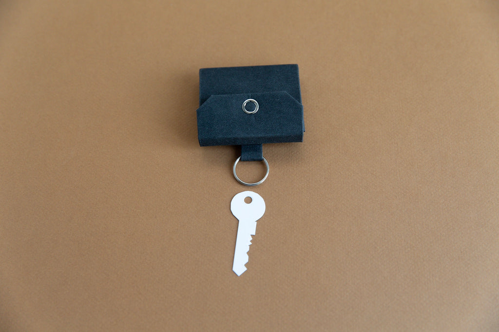 KEYCHAIN WALLET coin size black