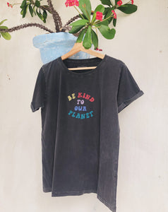 Be Kind to our Planet T-shirt - Stonewash