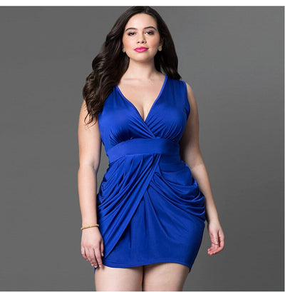2019 European and American plus size women's clothing new summer sleeveless sexy deep V bag hip short skirt plus fat increase