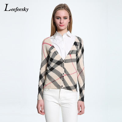 2017 Autumn Checked Sweater Woman V-neck Long Sleeve Plaid Pattern Knitted Cardigan Slim Short Casual Knitwear Tops Outerwear