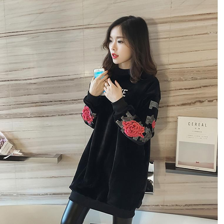 2017 Autumn Rose Embroidery Women thicken Sweatshirts O-neck Long Style Plus size Fleeces Floral Pullover Outwear feminino