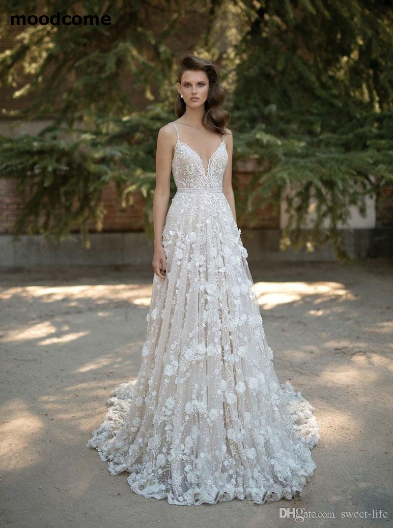 b53f0575268 2018 Wedding Dresses Spaghetti Neck Beads 3D-Floral Appliques Lace Backless  Bridal Gowns Crystal Sweep