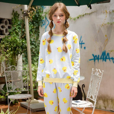 96b2ec87f256 2016 Autumn Women Sleepwear Cute Yellow Duck Pattern Long Sleeve Pajama  Sets Nightgowns Home Clothes