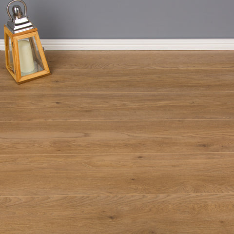 Grovewood Oak Laminate Flooring - AC4 - 8mm - 2.22m2