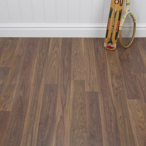 Walnut Effect Laminate Flooring - AC4 - 8mm - 2.22m2