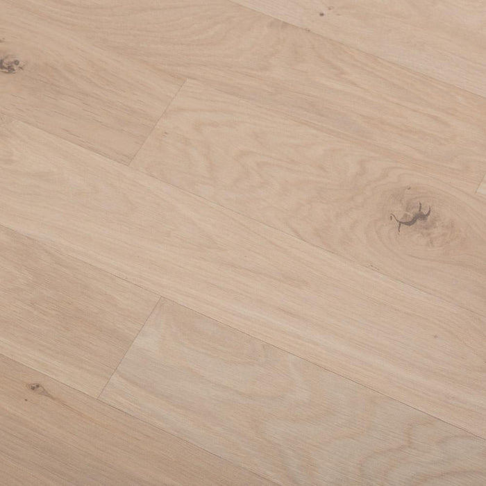 Grovewood Light Oak Laminate Flooring - AC4 - 8mm - 2.22m2 - SAMPLE