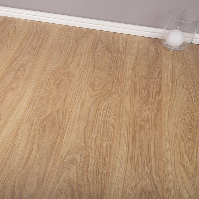Laminate Flooring - Light Varnished Oak - 7mm