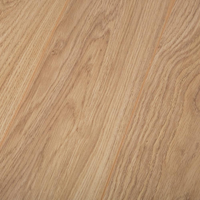 Light Varnished Oak Laminate Flooring - AC4 - 8mm - 2.22m2