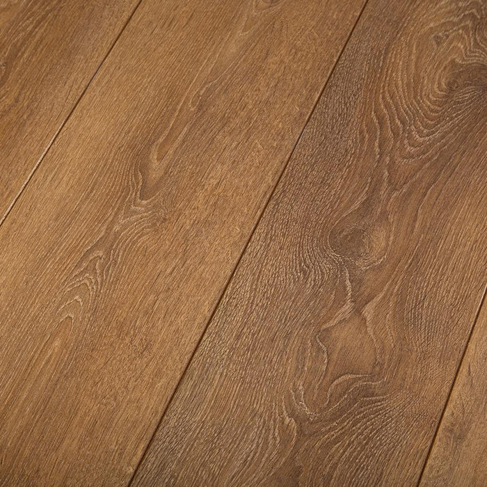 Harlech Oak Effect Easy Click Bevelled Laminate Flooring - 8mm - 2.22m2