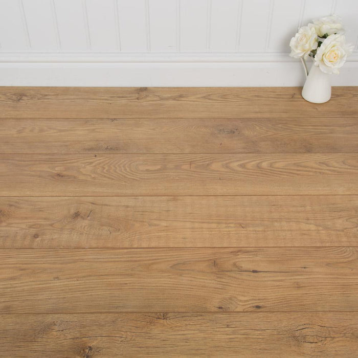 Tawny Chestnut Laminate Flooring - 10mm - 1.73m2 - SAMPLE