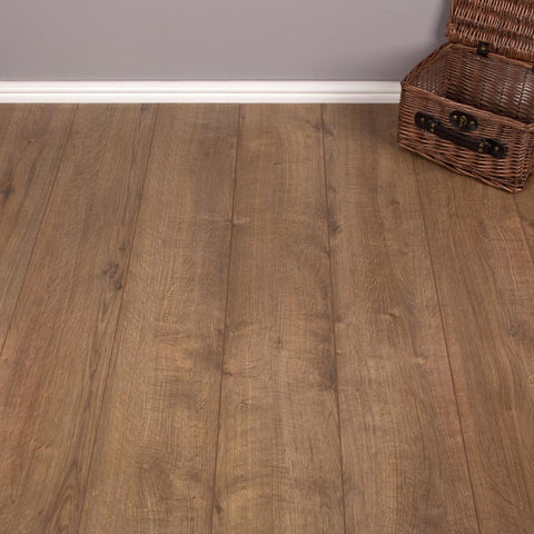 Darwin Oak Laminate Flooring - V-Groove - 7mm - 2.47m2