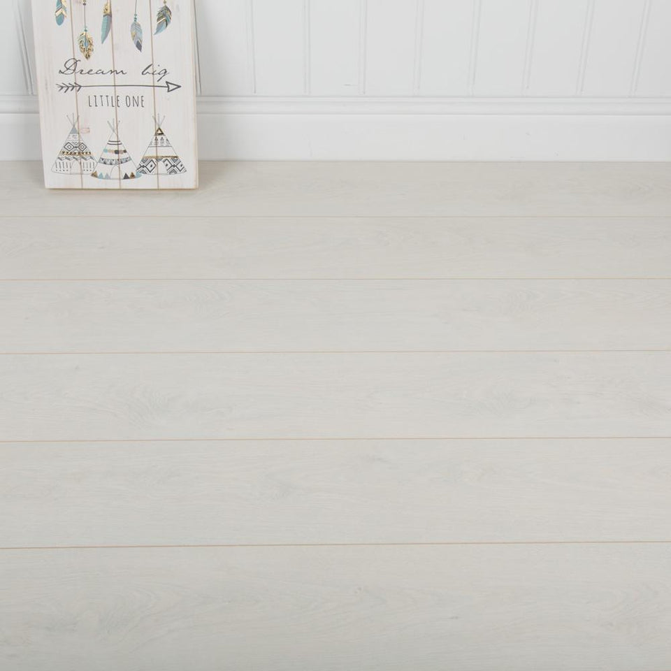 Laminate Flooring - Manitoba Oak