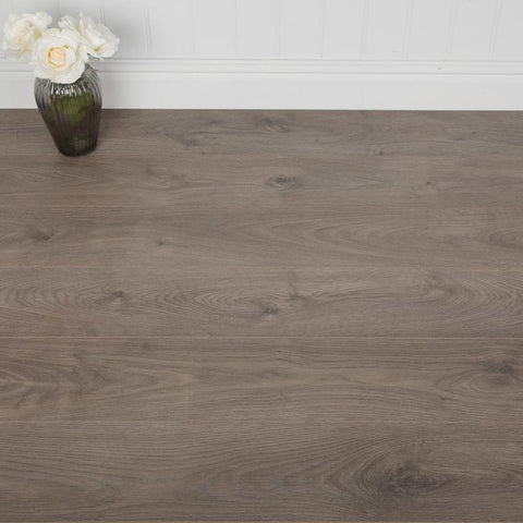 San Diego Oak Laminate Flooring - 8mm - 2.22m2